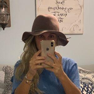 Saks floppy hat